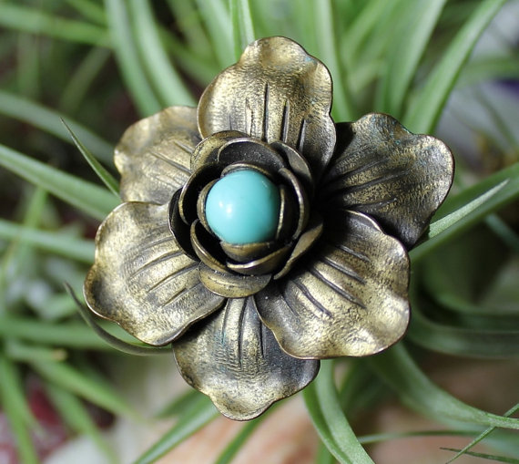 Vintage bronze brooch from Mississippi Gypsy.